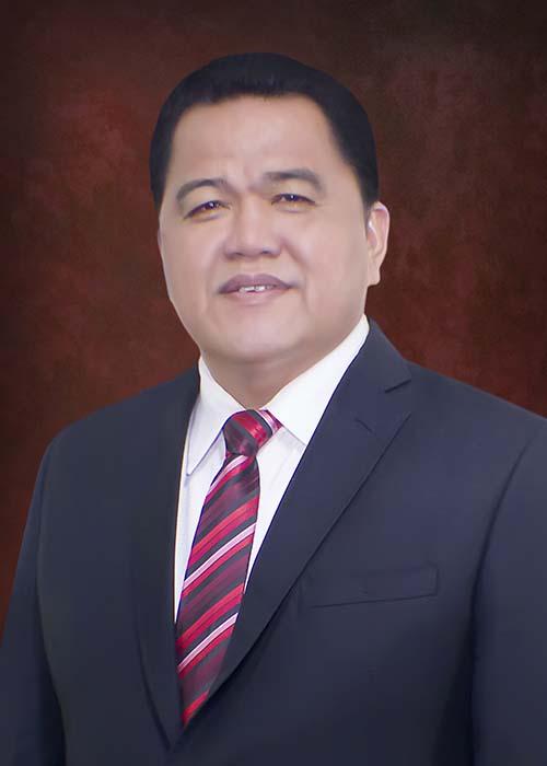 dr Maxi Rondonuwu